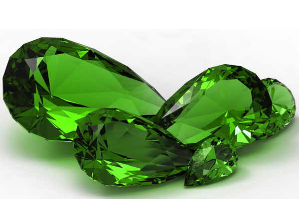 A look at the emerald trade from rough crystals to gemstones and how the offices work in Colombia